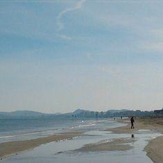 #Praia de #Riccione, nesta manhã, em pleno outono. A temperatura está bem primaveril e a vontade é de tomar banho de #mar! - Instagram by @viagem_italia