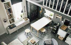 Hľadáte nábytok do malých priestorov? IKEA má širokú ponuku nábytku do malých priestorov, napríklad úsporný stolík GÖRAN v bielej farbe a borovici. IKEA má tiež veľa nápadov na úložné priestory do spálne v malom byte, napríklad sivé skrinky LIXHULT.