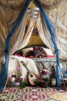 Boho Chic Home Decor & Modern Hippie Style Ideas | CLICK to follow now http://www.pinterest.com/happygolicky/boho-chic-fashion-bohemian-jewelry-boho-wrap-brace/