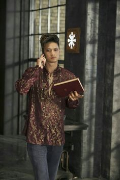 Magnus looking amazing in Episode 5,
