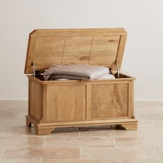 Edinburgh Natural Solid Oak Chest