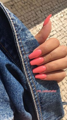 In seek out some nail designs and ideas for your nails? Listed here is our set of must-try coffin acrylic nails for fashionable women. Bright Summer Nails, Summer Acrylic Nails, Best Acrylic Nails, Acrylic Nail Designs, Coral Acrylic Nails, Coral Pink Nails, Nail Summer, Colorful Nail Designs, Summer Nail Colors