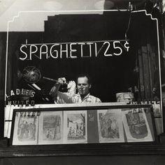 Spaghetti 25 Cents, New York, 1945 by Ida Wyman