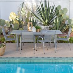 Coral Coast Sanders Steel Outdoor Extension Patio Dining Set | from hayneedle.com