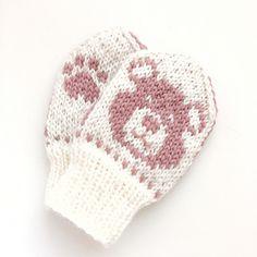 Ravelry: Baby Teddy pattern by Tonje Haugli Kids Knitting Patterns, Knitting For Kids, Eco Baby, Baby Mittens, Bear Face, Yarn Stash, Needles Sizes, Ravelry, Beanie