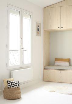 Dormitorio infantil a doble altura armario almacenaje a medida en madera natural 1