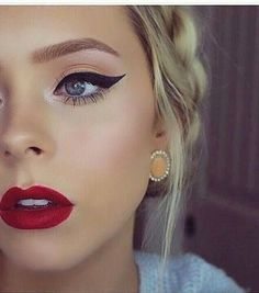 Makeup Makeup Looks With Red Lips, Makeup With Red Lipstick, Red Dress Makeup,