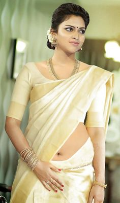Amala Paul Hot Saree Navel Photos With High Definitions In No Watermark South Indian Actress Hot, Indian Actress Hot Pics, Indian Bollywood Actress, Bollywood Girls, Beautiful Bollywood Actress, Indian Actresses, Actress Pics, Beautiful Girl Indian, Most Beautiful Indian Actress