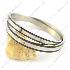 Girls <3 wearing bangles ... So dear boys buy a set of couple-bangle for your love and make her yours... your loving friend http://www.zuobisijewelry.com/Couples-Bangles/pro-c566.html  #couplebangle #gifts