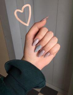 Make an original manicure for Valentine's Day - My Nails Winter Nails, Spring Nails, Acrylic Nail Designs, Acrylic Nails, Coffin Nails, Matte Nails, Hair And Nails, My Nails, Polish Nails