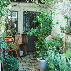 シリーズ「フィットする暮らしのつくり方」Vol.14は、フランスの古道具を取り扱う「BROCANTE(ブロカント)」の店主、松田尚美(まつだ なおみ)さんです。全4話を通し、お店をはじめた理由、暮らし