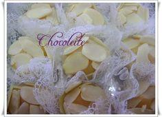 Brigadeiro de chocolate branco com amêndoas