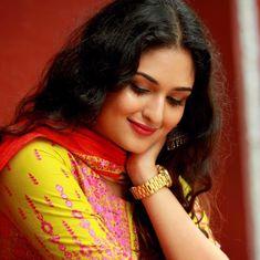 Prayaga Martin Hot HD Photos & Wallpapers for mobile Beautiful Girl Photo, Beautiful Gorgeous, Beautiful Asian Girls, Beautiful People, India Beauty, Asian Beauty, Prayaga Martin, Aunty In Saree, Beautiful Bollywood Actress