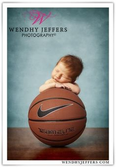 This center forward: | 29 Newborns Who Really Nailed Their First Photo Shoot