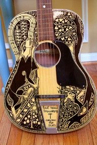 Maggie Stiefvater - done with a sharpie! Okay I had to add this, because Maggie Stiefvater, one of my fave authors, does this herself. With Sharpie markers! Oh my goodness! Guitar Painting, Guitar Art, Music Guitar, Cool Guitar, Music Music, Ukulele, Sharpie Projects, Sharpie Crafts, Arte Sharpie