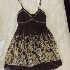 Brown and tan summer dress size 7/8 Sheer with slip under it. Alyn Paige Dresses Midi