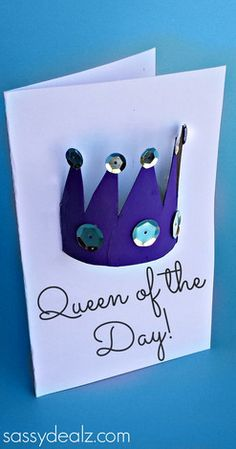 Make this pretty Mothers Day card by using a recycled toilet paper roll. This Queen of the Day Mother's Day Card is an easy craft for kids that they can make for their mom on her special day. Toilet paper roll crafts like these are fun and thrifty. Kids Crafts, Mothers Day Crafts For Kids, Fathers Day Crafts, Crafts For Kids To Make, Mothers Day Cards, Mother Day Gifts, Crown Crafts, Mother's Day Activities, Toilet Paper Roll Crafts