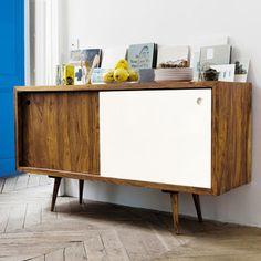 Riscopri il design degli anni '50 con la credenza scorrevole vintage Andersen.  Questa credenza in legno bicolore è munita di due sportelli ...