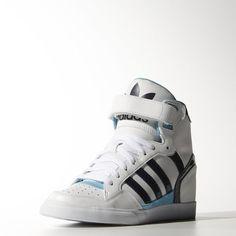 6082df471 Descubrí las nuevas zapatillas adidas en nuestra tienda online. También  tenés gran variedad de botines para que elijas todo el calzado que quieras.