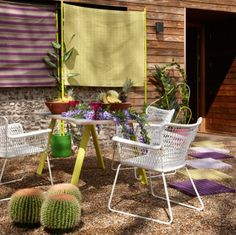 """Desert-like garden patio using color & furniture placement"", post by housetohome.co.uk"