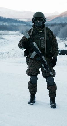 Spetsnaz operator in the southern regions of Russia Military Police, Military Weapons, Tactical Suit, Ghost Soldiers, Army Gears, Military Special Forces, Army Infantry, Gi Joe, Military Pictures