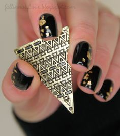 fall in ...naiLove!: Golden leaf nails.
