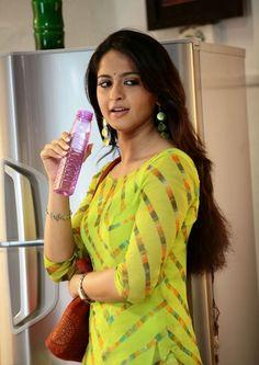 Anushka Shetty Sad Looking Photos In Green Dress