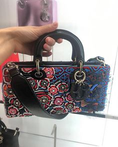 The Dior Runway Bag looks like its going to rule the fashion runway for a long time and we kid you not. Taking its inspiration from the Lady Dior Bag, the Runway Bag on the other hand is a shorter …