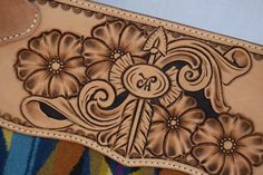 Tooled Leather Purse, Leather Tooling, Leather Purses, Diy Leather Projects, Leather Craft Tools, Sewing Leather, Leather Pattern, Leather Carving, Blue Blaze