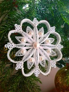 Gorgeous Christmas Tree Ornament ~ Quilling