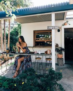 WEBSTA @ tuulavintage - Breakfast at my favourite food spot in Byron Bay, ☕️ Wearing Brisbane, Sydney, Australia Travel Guide, Outdoor Spaces, Outdoor Decor, Great Barrier Reef, Byron Bay, Coastal Style, Travel Inspiration