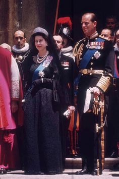 Queen Elizabeth II leaves the Vatican in Italy after an official visit to Pope John XXIII, accompanied by the Duke of Edinburgh, May 1961.