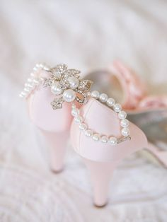 Pearl Bracelet With Sparkle And Pink Pumps