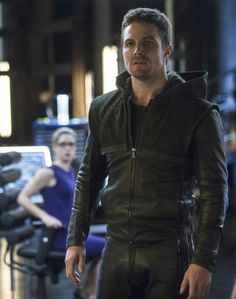 "Arrow - 2x19 - ""Seeing Red"" - Stephen Amell as Oliver Queen/The Arrow"