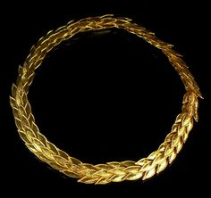 Handmade hammered 22ct gold necklace - Olympic wreath laurel leaves