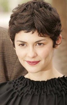 Audrey Tautou Short Curly Pixie Cut with Choppy Bangs Short Haircuts With Bangs, Haircuts For Wavy Hair, Curly Hair With Bangs, Curly Hair Cuts, Short Hair Cuts, Curly Hair Styles, Thick Hair, Haircut Short, Short Curly Pixie