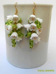 White green earrings  Flowers  Spring jewelry  by insoujewelry