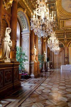Hôtel de Ville / City Hall, 29 rue de Rivoli, Paris IV | via @borntobesocial