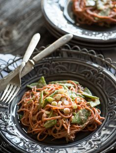Carrot Noodles with Peanut Sauce @Rawmazing.com