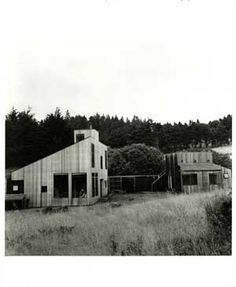 The two primary architectural firms working with Halprin were Joseph Esherick & Associates, and the emerging Berkeley firm MLTW [Moore, Lyndon, Turnbull & Whitaker]. The Sea Ranch plan included both individual houses and group housing in the form of condominiums [designed by MLTW]. The rooflines of the ecologically innovative row houses, designed by Joseph Esherick, were sheltered by the trees and carefully designed to echo the angle of the wind blowing in from the sea.