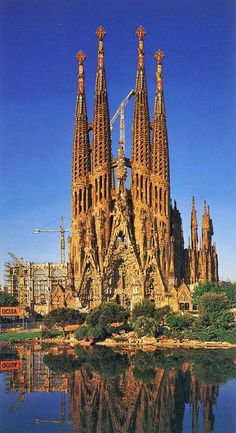 {Grand Designs} Sagrada Familia by Antoni Gaudi. Barcelona, #Spain #escape #GrandDesigns