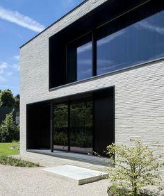 Elegante luxevilla in Afsnee - House VWB Arch House, Facade House, Facade Architecture, Contemporary Architecture, Facade Design, Exterior Design, Brick Cladding, Cedar Homes, Property Design