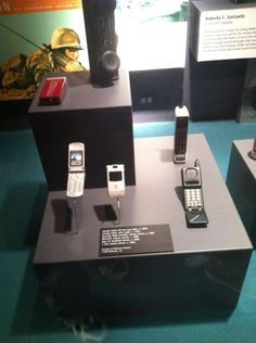 The Motorola Razr is in a MUSEUM.