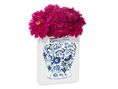Your eyes may be tricking you. Check out the real #DIY details of this vase #hgtvmagazine http://www.hgtv.com/decorating-basics/5-ways-to-decorate-with-decals/pictures/page-7.html?soc=pinterest