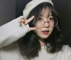 Lấy = Follow #Mưa Ulzzang Korean Girl, Cute Korean Girl, Cute Asian Girls, Cute Girls, Girl Korea, Asia Girl, Light Makeup Looks, Korean Short Hair, Uzzlang Girl