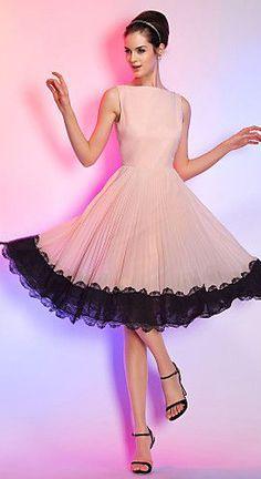 Knee-length Chiffon Cocktail Dress