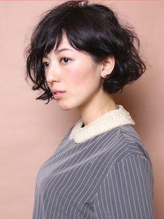黒髪ショートボブが可愛い♡ヘアスタイル&簡単アレンジ術 - Locari(ロカリ)