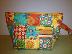 """PugMom Quilts!: A quick finish - larger zipper pouch using 2.5"""" squares."""