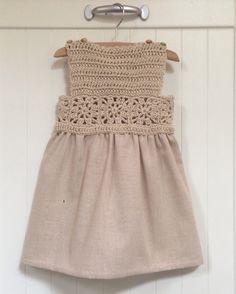 Vestido niña a crochet en algodón y lino