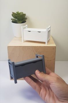 Storage Bench in Miniature – Ikea Hemnes Style – Rug making Victorian Dollhouse, Modern Dollhouse, Diy Dollhouse, Dollhouse Miniatures, Diy Storage Bench, Ikea Storage, Miniature Furniture, Dollhouse Furniture, Mini Doll House